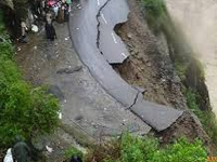 Landslip leaves 500 stranded in Uttarakhand